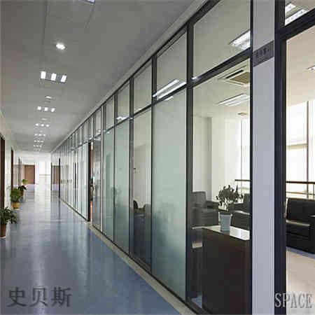 专业的玻璃隔断门安全可靠